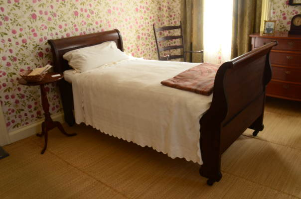 Emily dickinson's bed